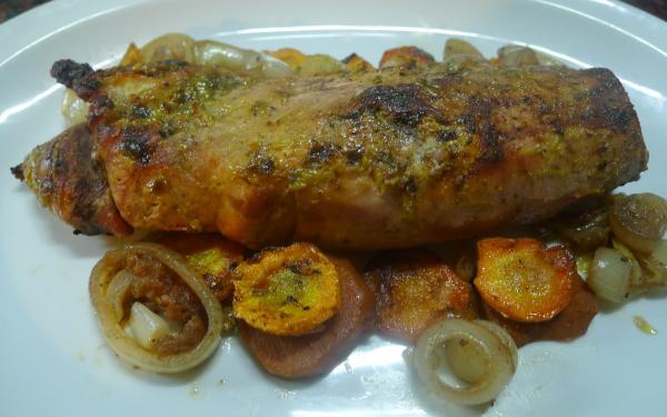Solomillo de cerdo al horno con colchon de verduras